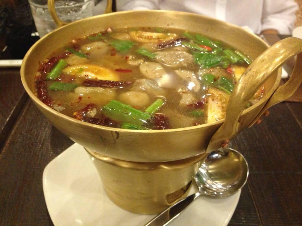 ต้มแซ่บกระดูกอ่อน ที่ ร้านอาหาร Cafe Chilli สยามพารากอน