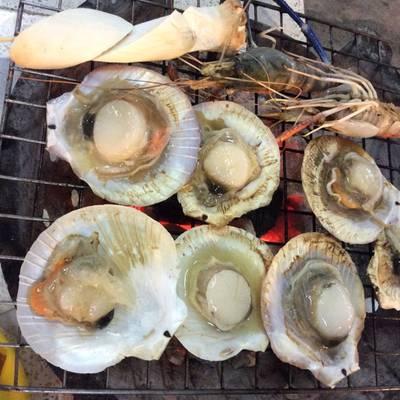 หอยเซลตัวโตๆ ที่ ร้านอาหาร หมูกะทะยิปซี