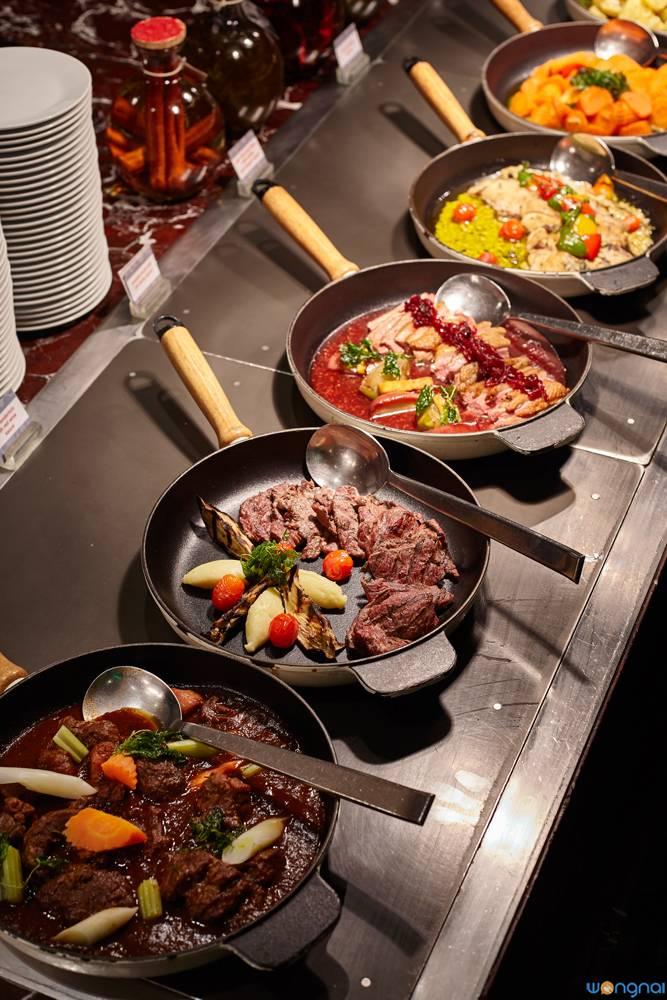 ร้านอาหาร Flavors โรงแรมเรอเนสซองซ์ กรุงเทพ