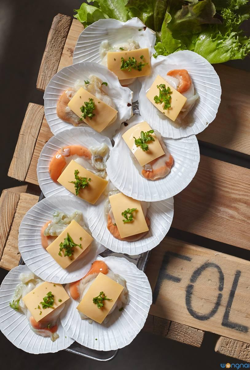 """""""หอยเชลล์ชีส"""" (150.-)  ที่ ร้านอาหาร Seafolk Seafood"""
