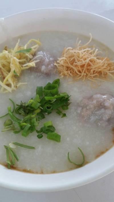 ร้านอาหาร โจ๊ก เกาเหลา ต้มเลือดหมู จิง จู ไฉ่