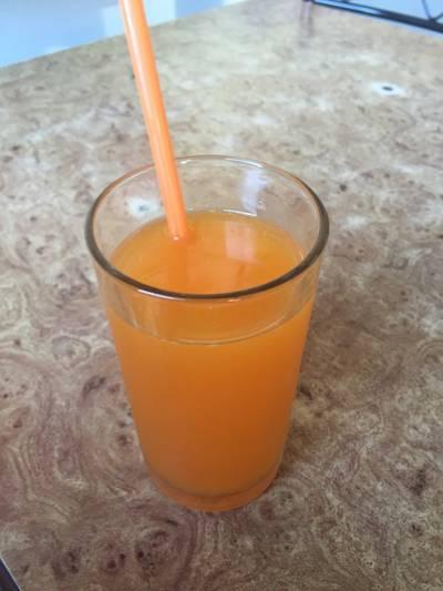 ส้มคั้น ที่ ร้านอาหาร เอมโอช