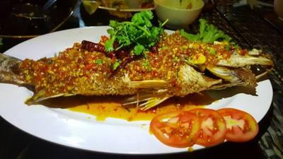 ปลาราดพริก ที่ ร้านอาหาร เกาะลันตา เกษตร-นวมินทร์