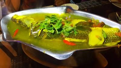 ปลากระบอกต้มส้ม ที่ ร้านอาหาร เกาะลันตา เกษตร-นวมินทร์