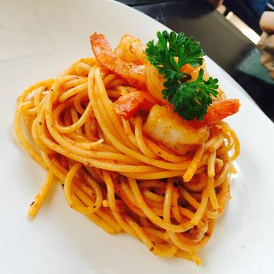 spaghetti rose with prawn ที่ ร้านอาหาร XXL Kitchen Hua Hin