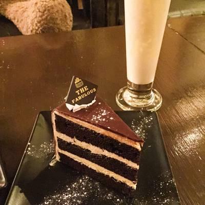 ร้านอาหาร The Fabulous Bar & Dessert Cafe