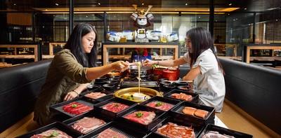 นั่งกินได้แบบชิลล์ๆ เพราะ Hajime Robot Restaurant มีหุ่นยนต์เสิร์ฟให้!