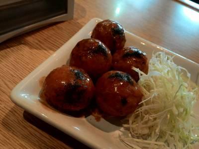 ทาโกะยากิ ที่ ร้านอาหาร Hachiban Ramen เดอะมอลล์บางแค