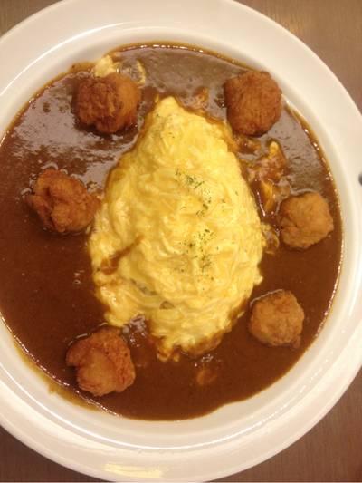 ข้าวหน้าแกงกะหรี่ไข่ไก่ทอด ที่ ร้านอาหาร Coco Ichibanya ลาวิลล่า อารีย์