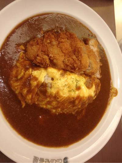 ข้าวแกงกระหรี่ไข่หมูทอด ที่ ร้านอาหาร Coco Ichibanya ลา วิลล่า ชั้น 2