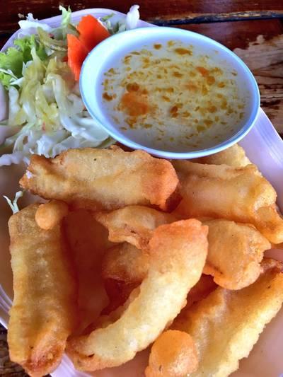 ปลาหมึกชุบแป้งทอด ที่ ร้านอาหาร ครัวปูหลน