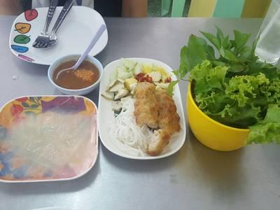 แหนมเนือง ที่ ร้านอาหาร My One Vietnam Food ศรีราชา
