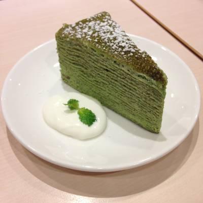 เครปเค้กชาเขียว ที่ ร้านอาหาร After You Dessert Cafe เจ อเวนิว