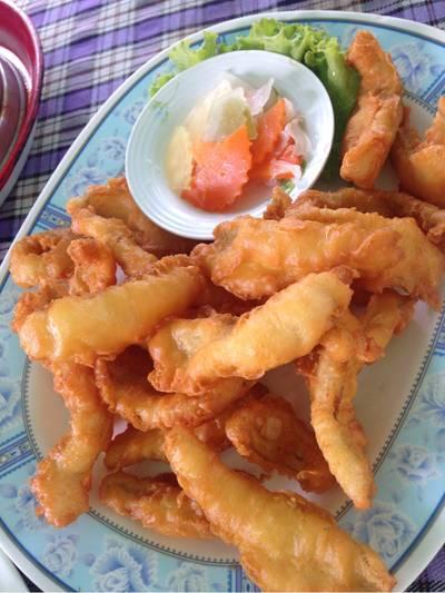 ปลาเห็ดโคนชุบแป้งทอด ที่ ร้านอาหาร ครัวแกงเผ็ด