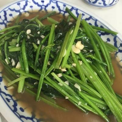 ผัดผักปุยเล้ง ที่ ร้านอาหาร เกี๊ยวจีน (ภัตตาคารซันมูน)