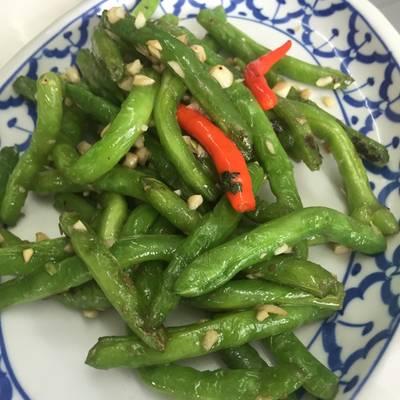 ถั่วผัดพริก ที่ ร้านอาหาร เกี๊ยวจีน (ภัตตาคารซันมูน)