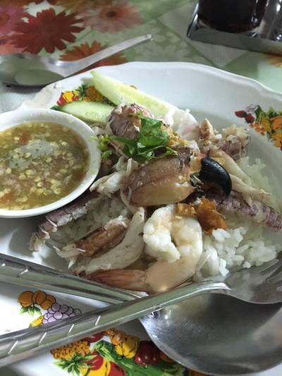 ข้าวคลุกพริกเกลือ(หน้าทะเล) ที่ ร้านอาหาร เจ๊อี๊ด ทะเลเด็ด