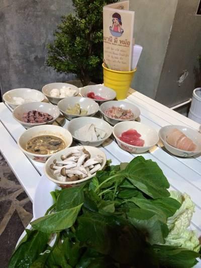 เสิร์ฟมาแบบสดๆ ที่ ร้านอาหาร มานี มี หม้อ Nawamin City Avenue (Phase 2) เกษตร-นวมินทร์
