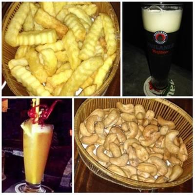 เครื่องดื่ม+ของขบเตี้ยว ที่ ร้านอาหาร Saxophone Pub & Restaurant