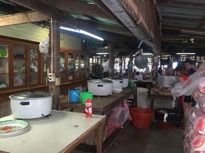 บรรยากาศร้าน ที่ ร้านอาหาร แดงอาหารทะเล (เจ้าเก่า)