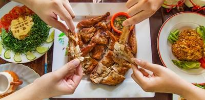 ไก่ย่างขั้นเทพ! กับอาหารอีสานแซ่บเวอร์ ที่บ้านไก่โคราช