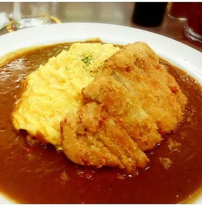 ข้าวแกงกระหรี่ไข่หมูทอด • หมูกรอบนอกกะไข่นุ่มๆ ที่ ร้านอาหาร Coco Ichibanya Central World