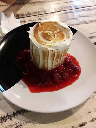 baked alaska  ฟินปายยยยย ที่ ร้านอาหาร Bake Me Tender