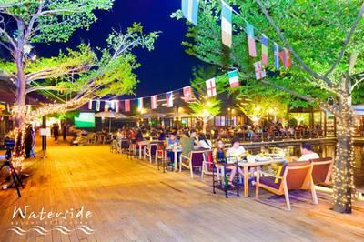ร้านอาหาร Waterside Karaoke Restaurant เกษตรนวมินทร์