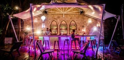 """ดื่มด่ำบรรยากาศ ริมชายหาด สไตล์ โมร็อคโคไปกับ """"Al Bahr Beach Bar"""""""