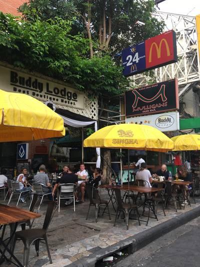ร้านอาหาร Mulligans Irish Bar