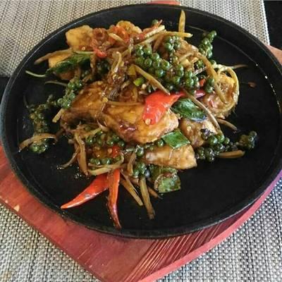ปลาเนื้อแน่นมาก ชอบๆ ที่ ร้านอาหาร Sila Restaurant @ Bangsaen Heritage Hotel