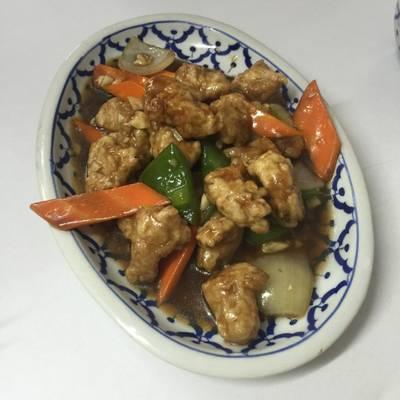หมูเปรี้ยวหวาน ที่ ร้านอาหาร เกี๊ยวจีน (ภัตตาคารซันมูน)