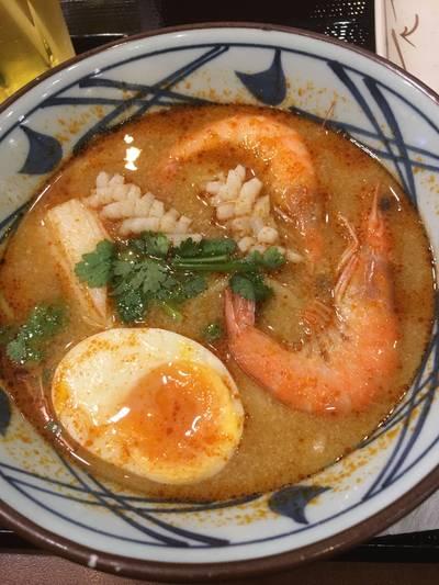 อุด้งต้มยำทะเล (หลังจากที่ลองแล้วเรากินได้อยู่อย่างเดียว) ที่ ร้านอาหาร Marugame Seimen (มารุกาเมะ เซเมง) เดอะ พรอมานาด