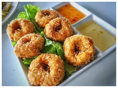 ทอดมันกุ้ง • ไม่อร่อย แป้งเยอะ เนื้อกุ้งน้อย แข็ง ที่ ร้านอาหาร สวนปู