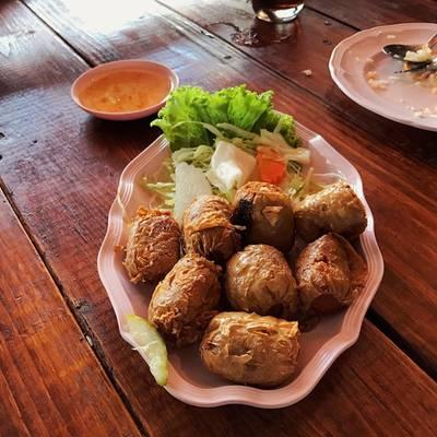 หอยจ๊อ ที่ ร้านอาหาร ครัวปูหลน