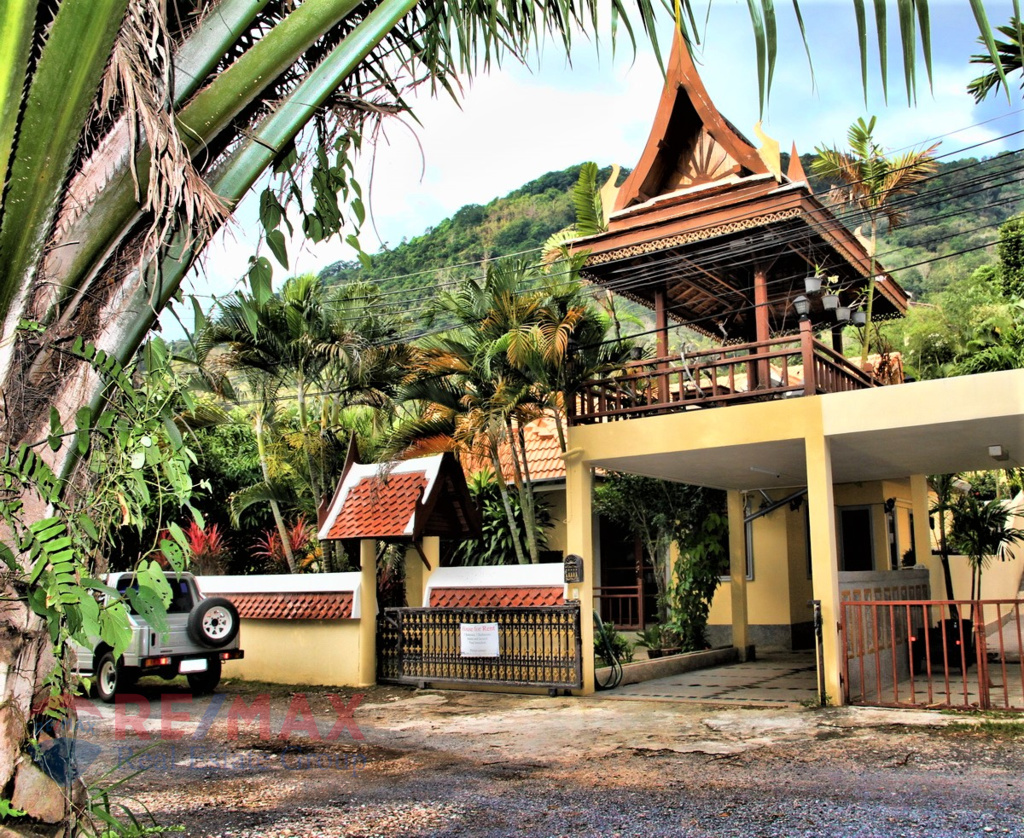 THAI STYLE 3 BEDROOM RESIDENCE FOR SALE