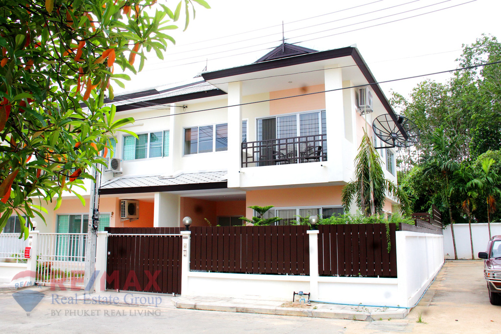 LAGUNA 3 BEDROOM TOWNHOUSE FOR SALE