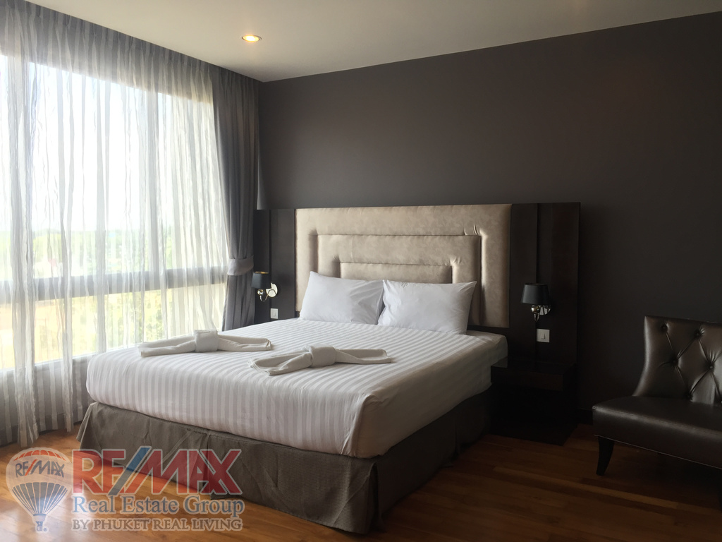 BANGTAO 2 BEDROOM CONDOMINIUM WITH LAKE VIEW
