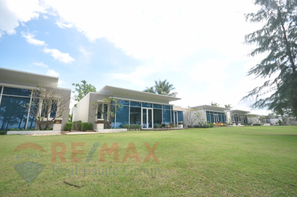 BEACH FRONT MAI KHAO THREE BEDROOM POOL VILLA FOR SALE