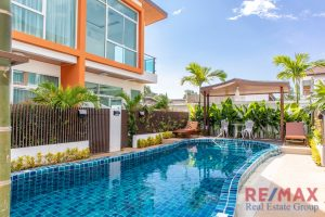 Twin Townhouse with Shared Pool in Kamala