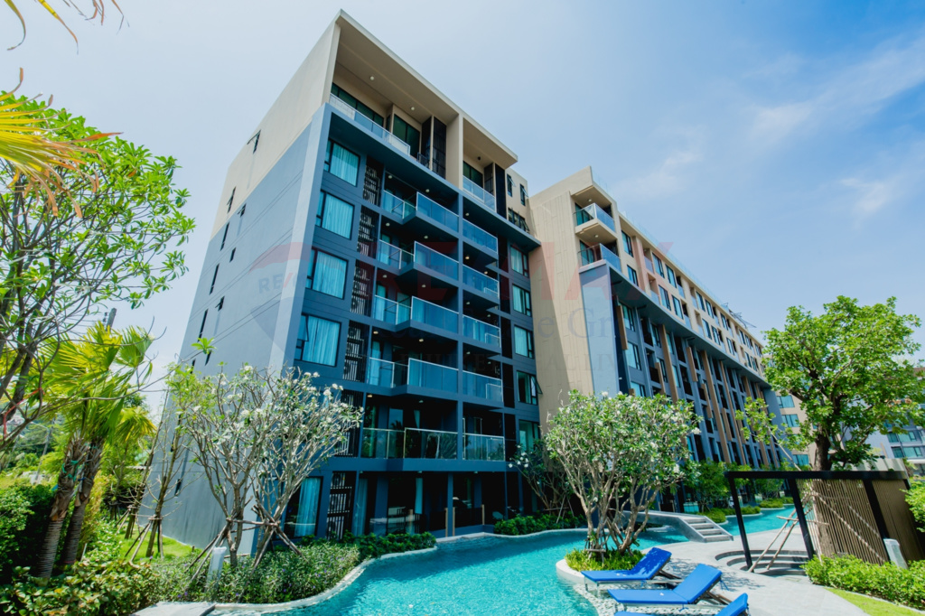SURIN BEACH CONDOMINIUM FOR SALE