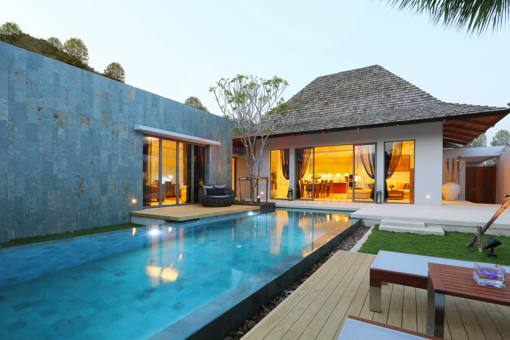 BALINESE POOL VILLA FOR SALE NEARBY LAYAN BEACH