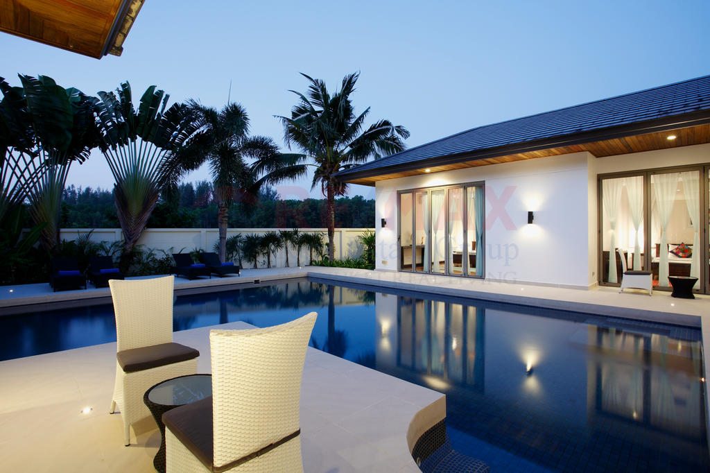 BANG TAO BEACH 3 BEDROOM POOL VILLA FOR RENT