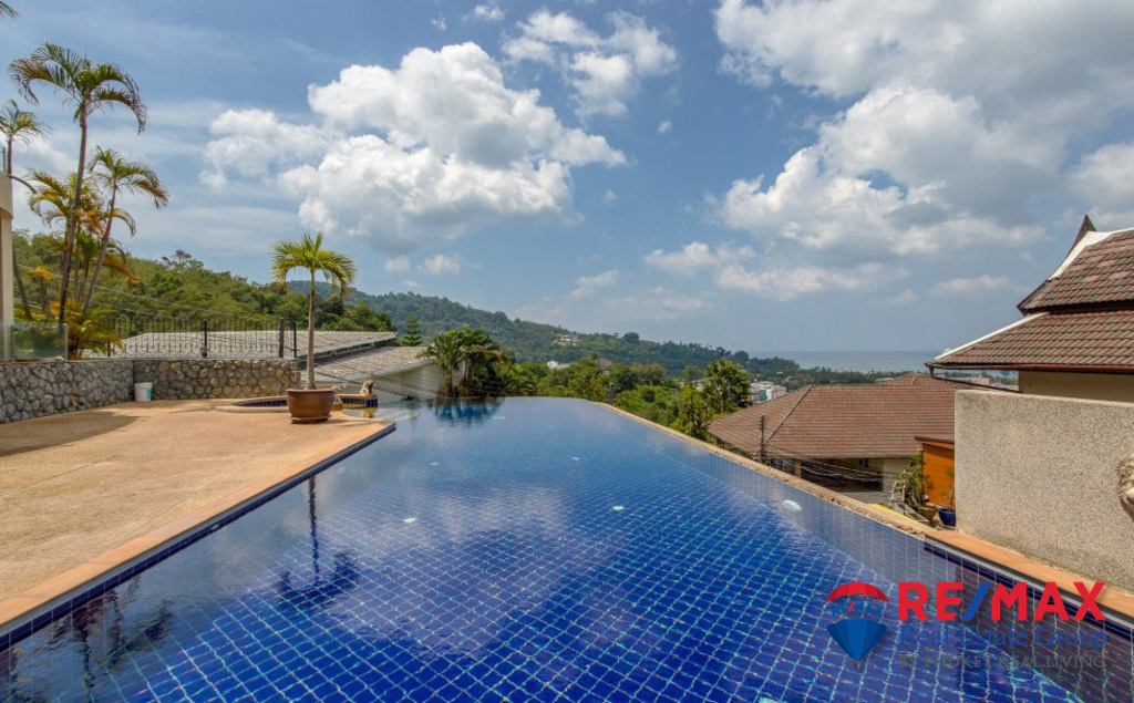 3 BEDROOM TOWN VILLA SEA VIEW FOR SALE IN PATONG