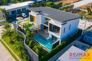 Zenithy 3 beds modern pool Villa For Sale in Choeng Thale, Phuket