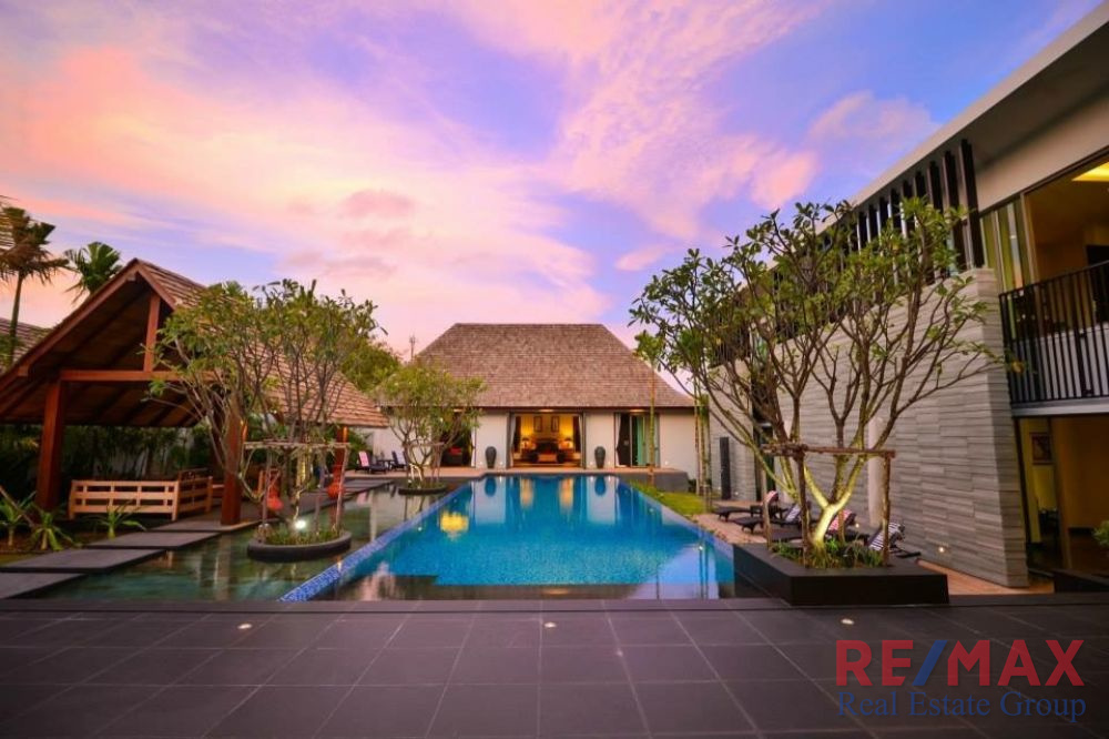 5 Bedroom Re-Sale Pool Villa in Layan for Sale