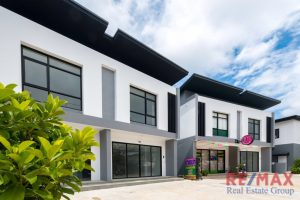 2 Bedroom Town House in Si Sunthon for Sale