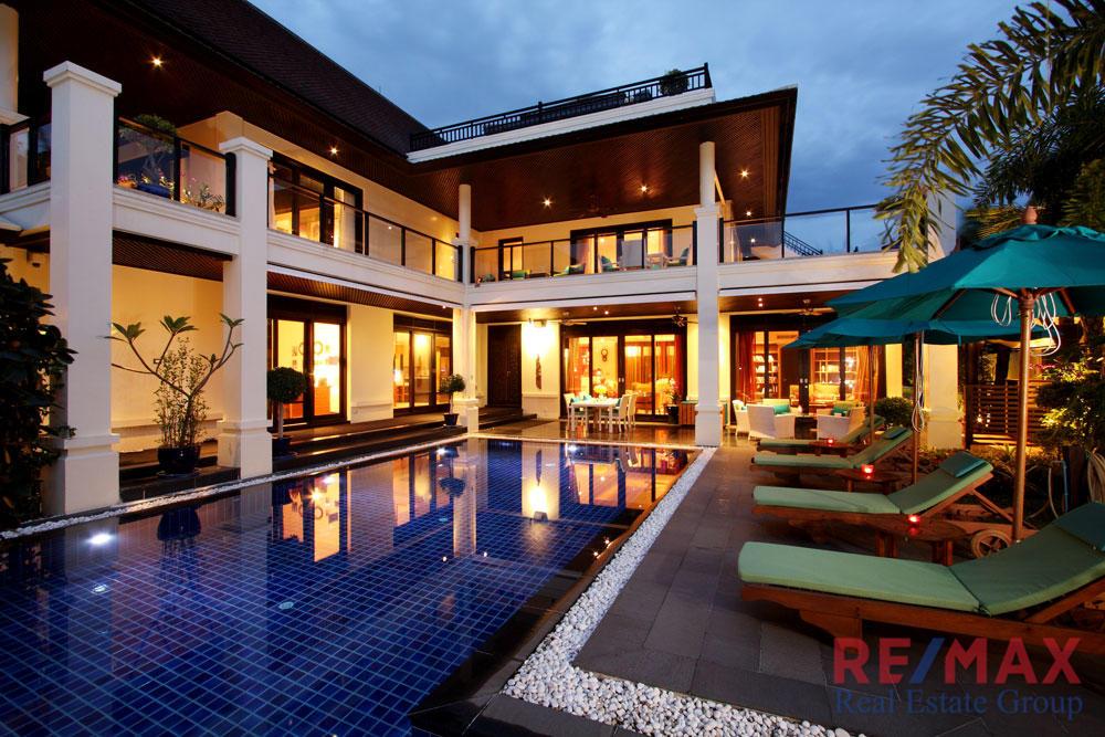 5 Bedroom Villa for Sale in Layan, Phuket