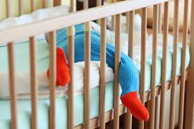 在家蒙特梭利,嬰兒床真的比地上床墊好?