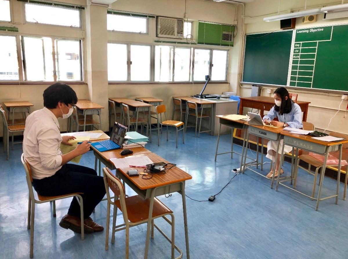 因面試學生人數眾多,所以需4人一組共136個組別進行面試。